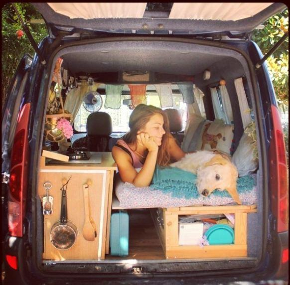 Marina e Odie: cane e padrona in giro per il mondo