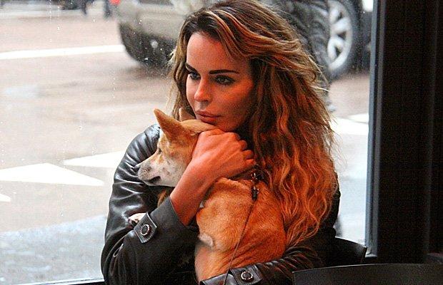 Nina Moric e il suo cane Hachiko, un amore infinito