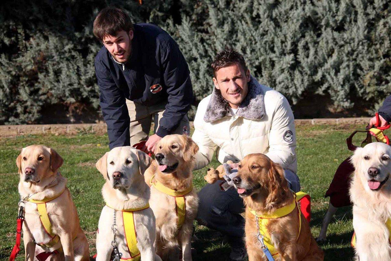 Francesco Totti e la passione per i suoi amati labrador