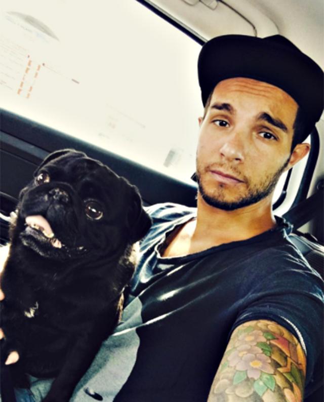 Marco Carta e il suo cane Ettore erano inseparabili