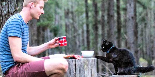 In viaggio con il gatto: Rich e Willow in giro per il mondo