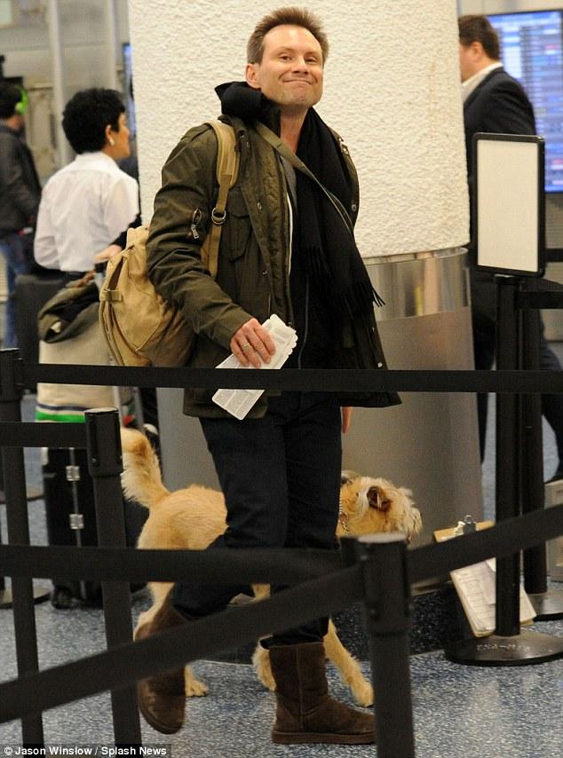 Christian Slater ama i cani: adottate e non comprate